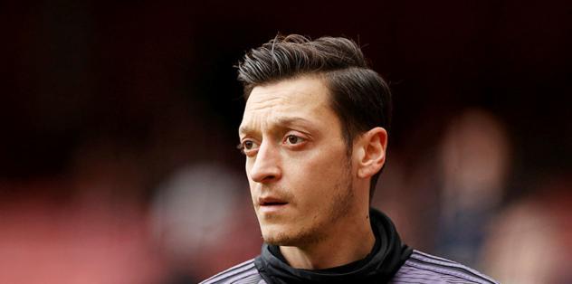 Mesut Özil'den Kızılay'a anlamlı destek