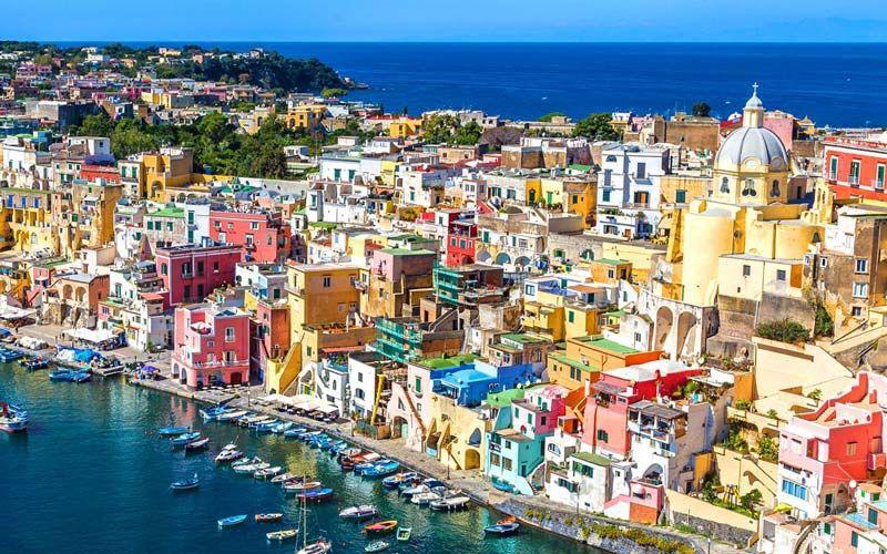 İtalya'nın muhteşem görüntüye sahip adası
