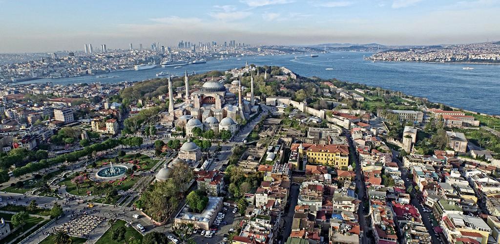 İstanbul'u gezmek isteyenler için küçük bir önerimiz var