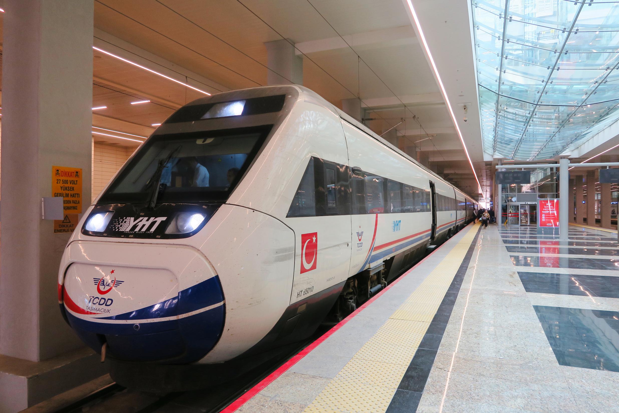Yüksek Hızlı Tren biletlerinin nasıl alınacağı açıklandı