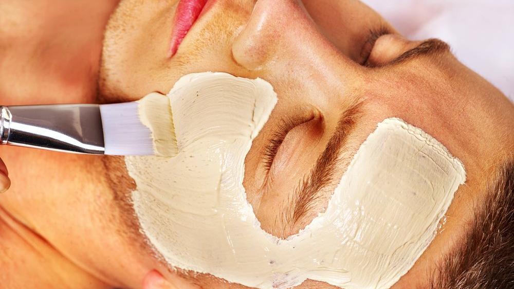 Erkekler için cilt bakım maskeleri