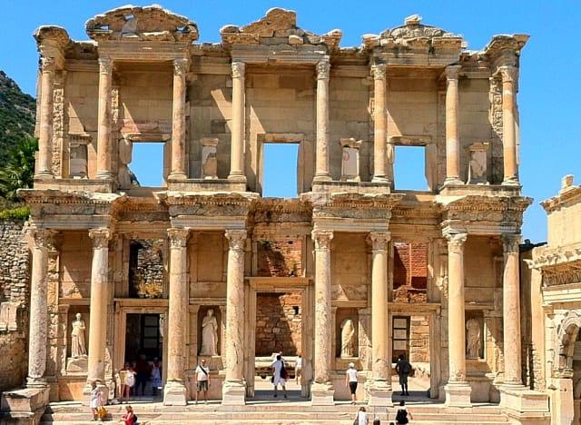 Efes Antik Kenti'nde anlık 650 ziyaretçi sınırı