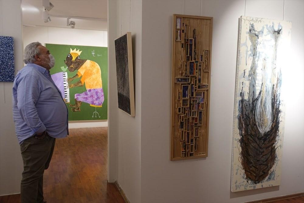 Kelimat Sanat Evi'nde Dekonstrüksiyon sergisi açıldı