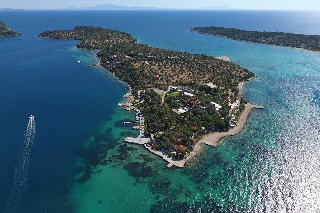 İzmir'in Dikili ilçesinde yer alan bu Adaya bayılacaksınız!