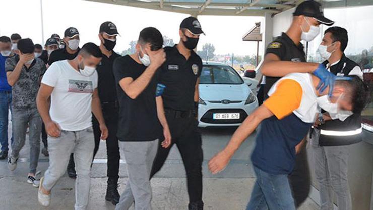 Adana'da kaçak bahis operasyonunda 32 gözaltı!