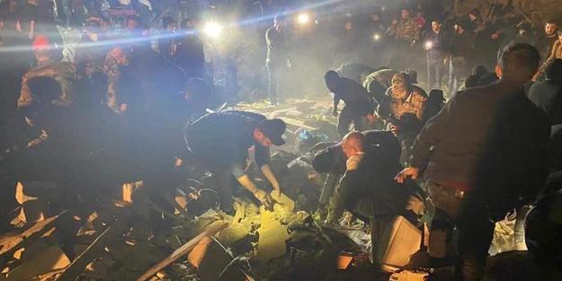 Soykırımcı kiralık katil çetesi Ermeni birlikleri mahalleleri yıkarak sivil katlediyor! Gence'ye saldırı!