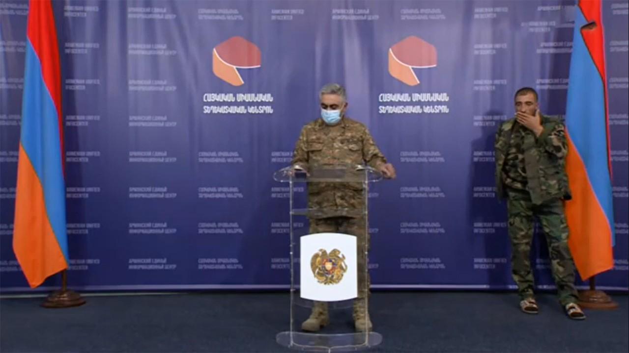 Ermenistan Ordu sözcüsü ve basın toplantısındaki terlikli asker olay oldu!