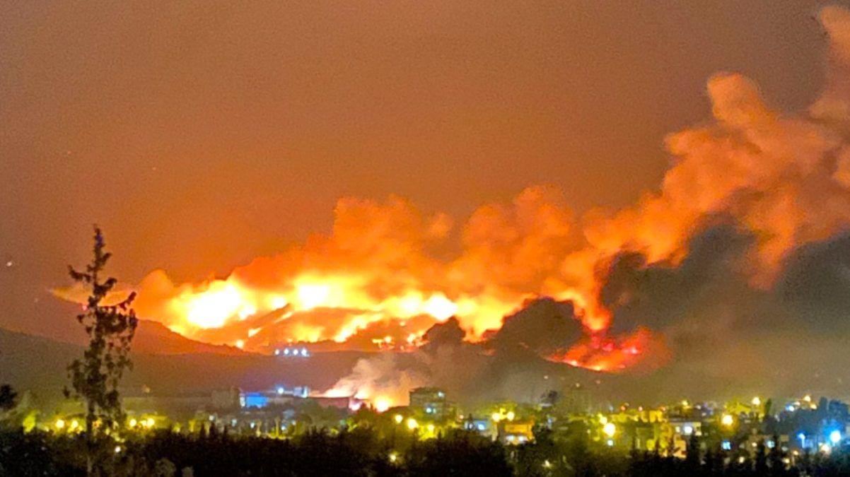 Hatay'da gece yangın nöbeti!