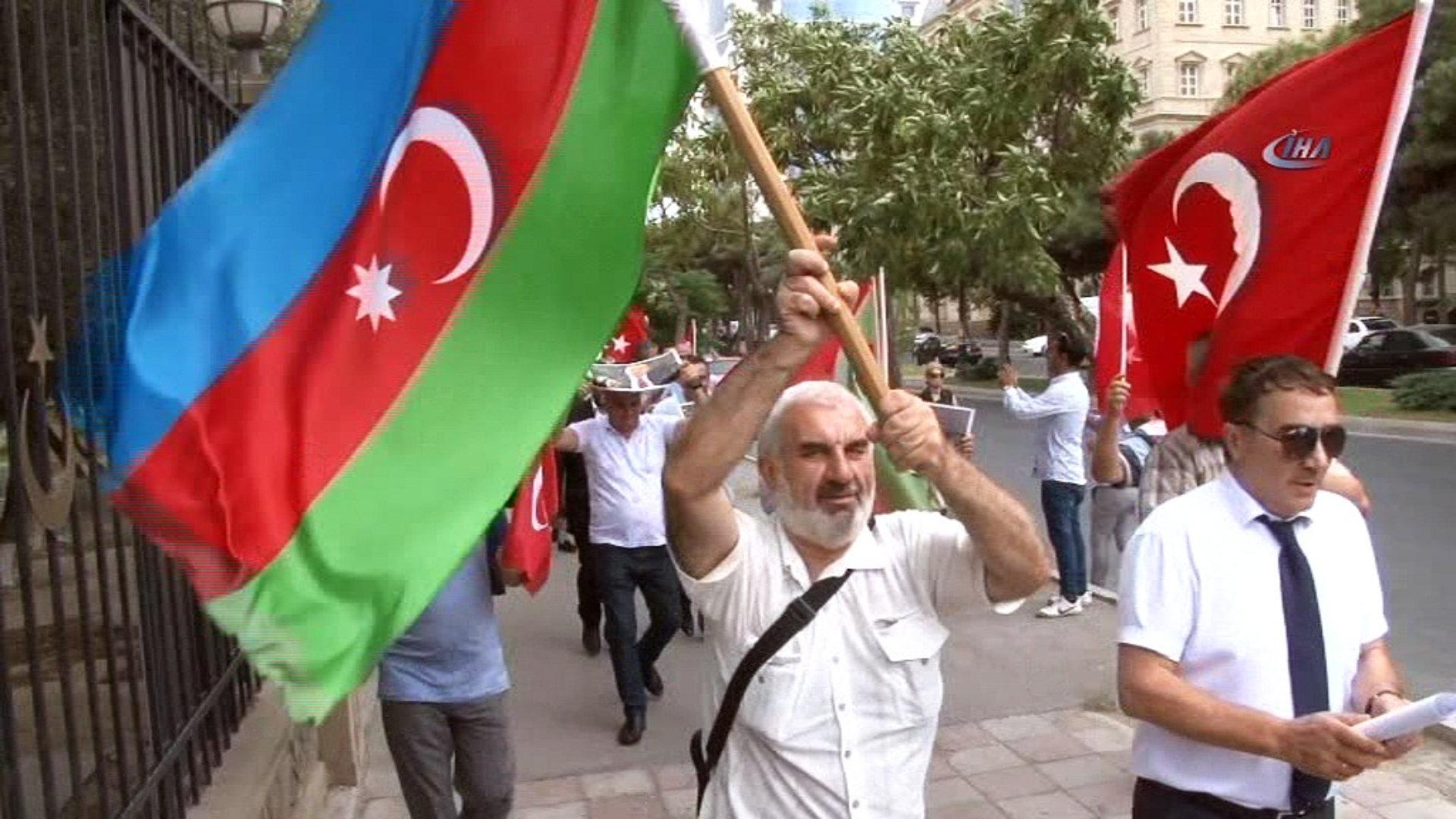 Azerbaycan halkı Rus barış kuvvetini reddediyor!