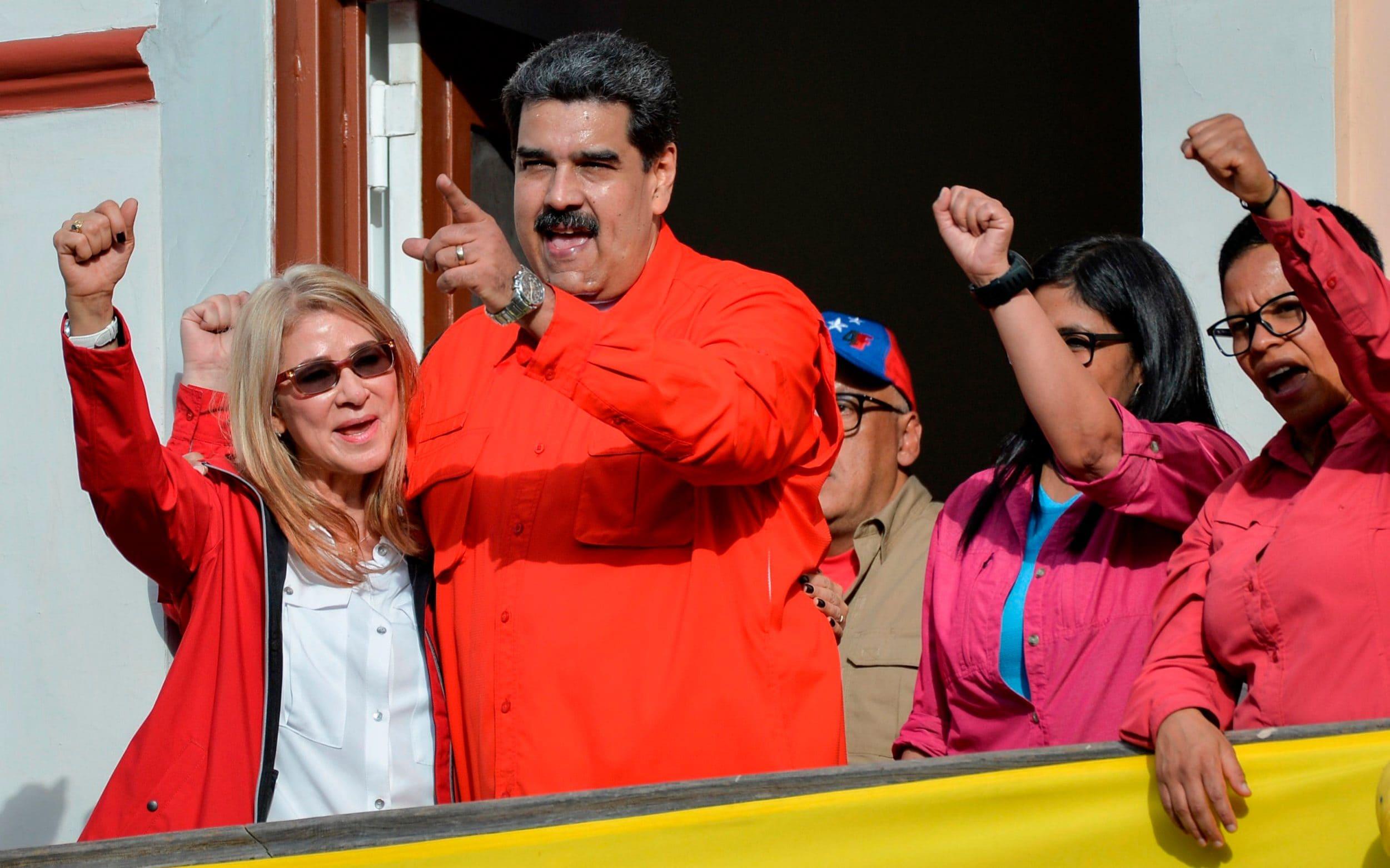"""ABD Maduro'nun karısına: """"Boşan ondan"""" teklifi götürmüş!"""