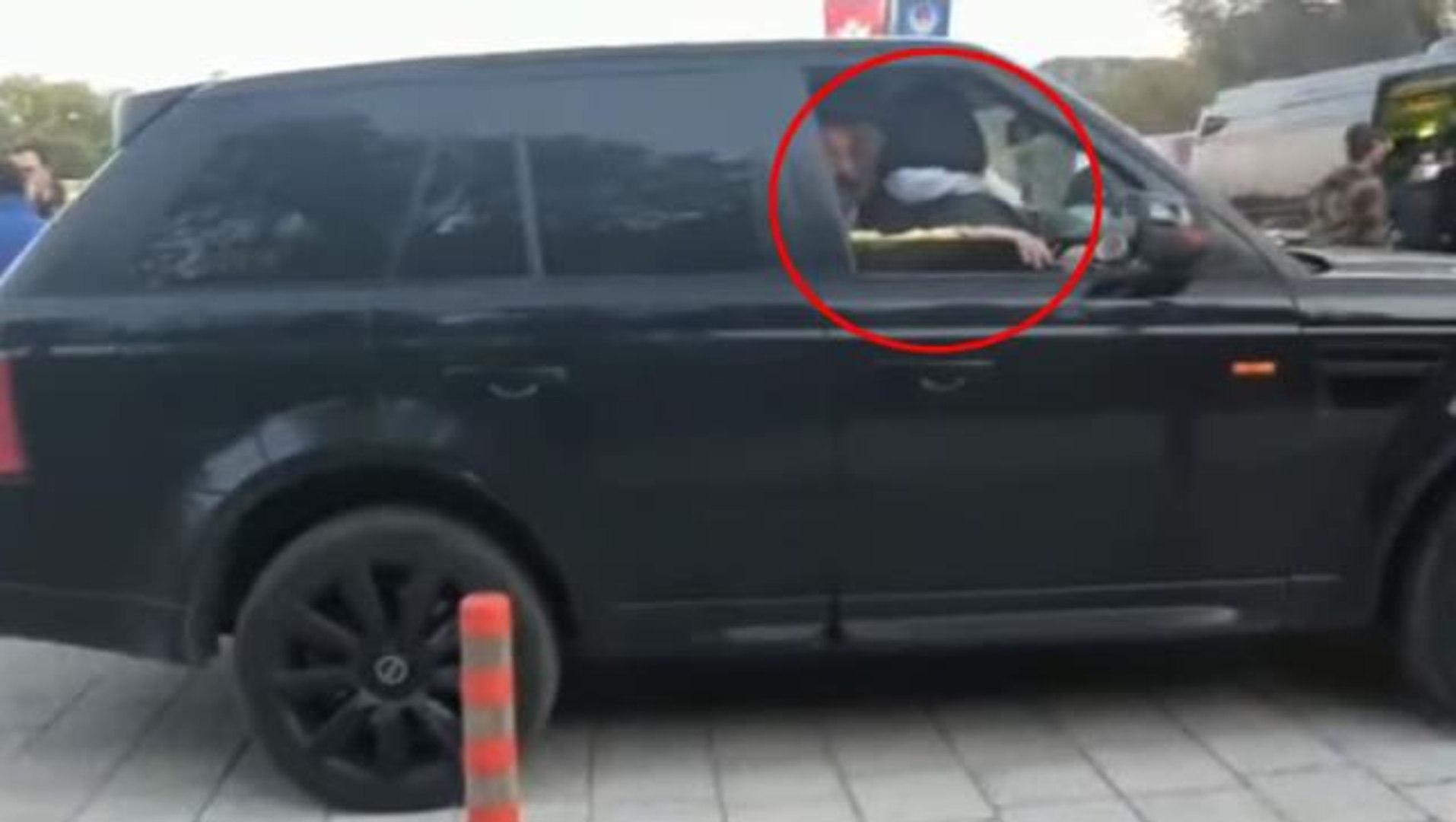 Silahlı kavgaya karışan Üstündağ'ın ön koltukta kucağında oturan kim?